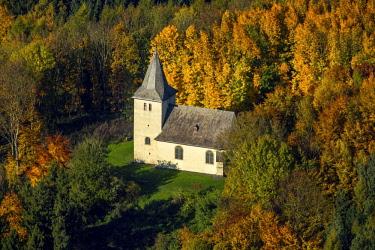 IBLBLO04262521 Chapel on F�rstenberg in the deciduous forest, Arnsberg, Sauerland, North Rhine-Westphalia, Germany, Europe