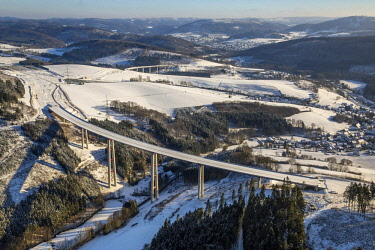 IBLBLO04308769 Expanding the A46 motorway, Nuttlar viaduct with snow, Olsberg, Sauerland, North Rhine-Westphalia, Germany, Europe
