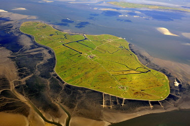 IBLHWE04079335 Aerial view, Hallig Hooge, Hooge holm in the Wadden Sea, North Sea, North Frisia, Schleswig-Holstein, Germany, Europe