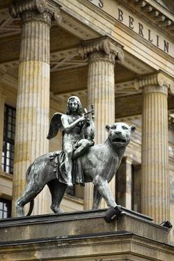 IBLIMW04369686 Panther with Genius of Music, statue, Konzerthaus Berlin, Gendarmenmarkt, Berlin, Germany, Europe