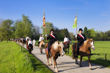 IBLMAN04384714 Blutritt, mounted procession in Weingarten, Upper Swabia, Swabia, Baden-Wurttemberg, Germany, Europe