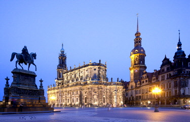 IBLRBB02273139 Catholic Church of the Royal Court of Saxony, cathedral, Royal Palace with Hausmannturm tower, Theatreplatz square, Dresden, Saxony, Germany, Europe, PublicGround, Europe