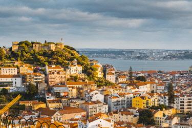 POR9923AWRF Portugal, Lisbon. Skyline and Sao Jorge castle.
