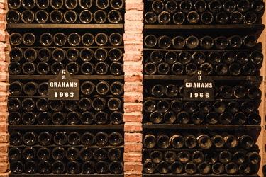 POR9870AW Portugal, Norte region, Porto (Oporto). Graham's Porto wine cellars in Villa Nova de Gaia.