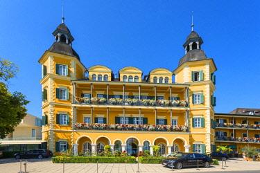 AUT0911AW Velden castle, Carinthia, Austria