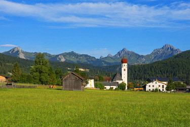 AUT0925AWRF Heiterwang with Tannheim mountain range, Tyrol, Austria