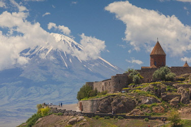 AM046RF Armenia, Khor Virap, Khor Virap Monastery, 6th century, and Little Mt. Ararat