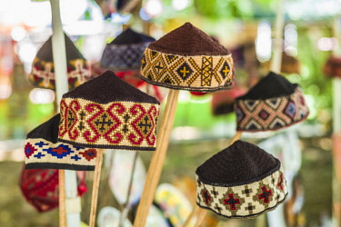 AM01260 Armenia, Yerevan, Vernissage Market, hand made traditional hats