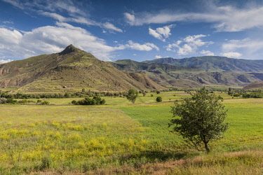 AM01301 Armenia, Yeghegnadzor, landscape with fields and mountains