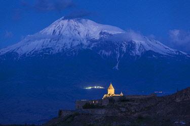AM01338 Armenia, Khor Virap, Khor Virap Monastery, 6th century, with Mt. Ararat