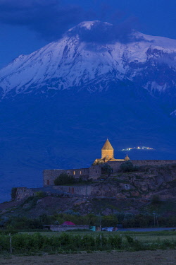 AM01339 Armenia, Khor Virap, Khor Virap Monastery, 6th century, with Mt. Ararat