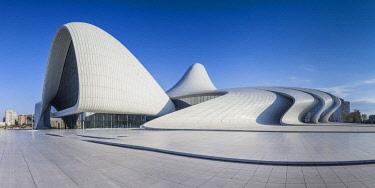 AZ01182 Azerbaijan, Baku, Heydar Aliyev Cultural Center, building designed by Zaha Hadid