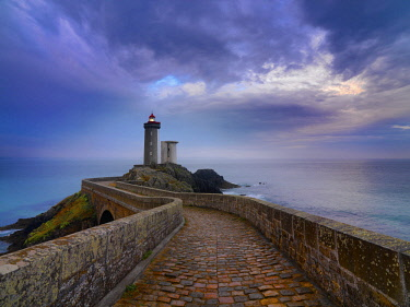 FRA10643AW France, Brittany, Finistere, Iroise Sea, Plouzane, Petit Minou Lighthouse at dusk