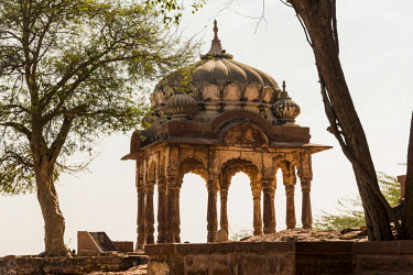AS10AJN0055 India, Rajasthan, Jodhpur. No Water No Life expedition, Mehrangarh Fort (built circa 1460 on National Geological Monument, part of the Malani Igenus Suite in Thar Desert region), arched building outsi...
