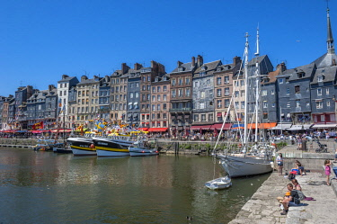 EU09LEN0783 Avant Port, Honfleur, Normandy, France
