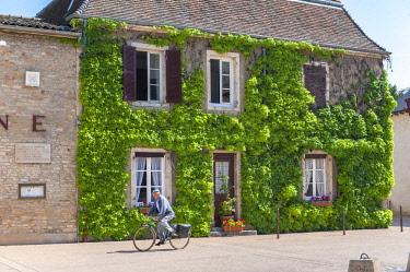 EU09LEN0927 Man on bicycle, Cluny, Maconnaise, France