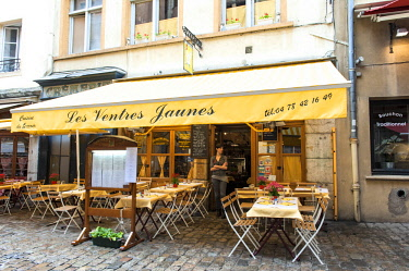 EU09LEN0942 French cafe, Old Town, Lyon, France