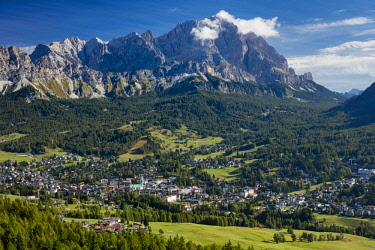 EU16BJN0745 Monte Cristallo of the Dolomite Mountains looming over town of Cortina d'Ampezzo. Belluno, Italy