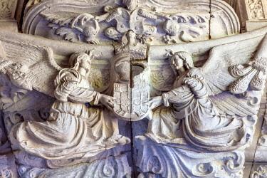EU23WPE0102 Stone Angels West Portal Monastery Saint Jerome (Mosteiro dos Jeronimos), Belem, Lisbon, Portugal. Catholic Monastery of Saint Jerome in 1501. Sculptures created in 1517.