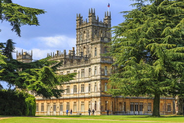 EU33EWI0069 England, Hampshire. Highclere Castle, Jacobethan style country house, seat of the Earl of Carnarvon. Setting of Downton Abbey.