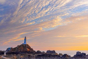 UK687RF United Kingdom, Channel Islands, Jersey, Corbiere Lighthouse