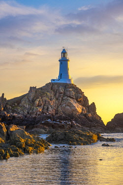 UK690RF United Kingdom, Channel Islands, Jersey, Corbiere Lighthouse