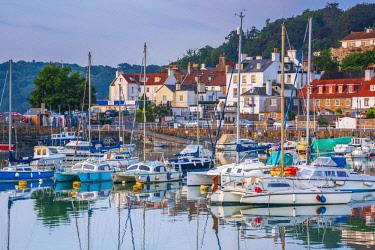 UK701RF UK, Channel Islands, Jersey, St Aubin, St Aubin Harbour