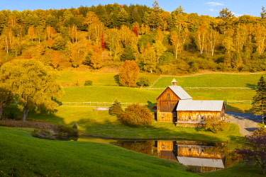 US46BJN0084 Sleepy Hollow Farm near Woodstock Vermont, USA