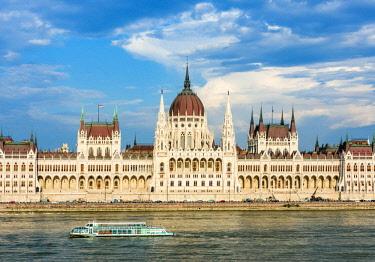 HUN1602AWRF Hungarian Parliament Building, Budapest, Hungary