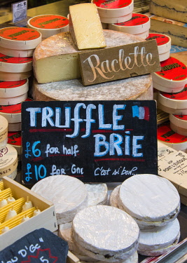 ENG15799AW Cheese stall  in the Borough Market, Southwark, London, England