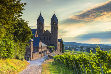 GER11338AWRF St Hildegard Abbey and vineyards, Rudesheim, Rhineland-Palatinate, Germany