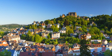 GER11359AWRF View of Landgrafenschloss and town, Marburg, Hesse, Germany