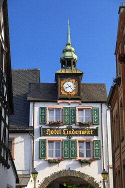 GER11071AW Hotel Lindenwirt, Rudesheim, Rhineland-Palatinate, Germany