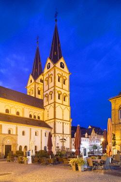 GER11133AW St Severus Church in Market Square at dusk, Boppard, Rhineland-Palatinate, Germany