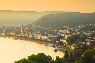 GER11137AW River Rhine at sunrise, Boppard, Rhineland-Palatinate, Germany