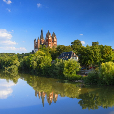 GER11160AW Cathedral (Dom) and River Lahn, Limburg, Hesse, Germany