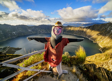 ECU1425AW Scarecrow at the view point by the Lake Quilotoa, Cotopaxi Province, Ecuador