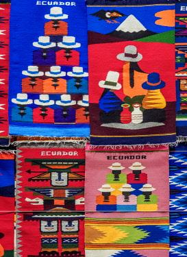 ECU1500AW Saturday Handicraft Market, Plaza de los Ponchos, Otavalo, Imbabura Province, Ecuador