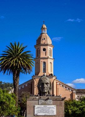 ECU1255AWRF Ruminawi Monument and San Luis Church, Simon Bolivar Park, Otavalo, Imbabura Province, Ecuador