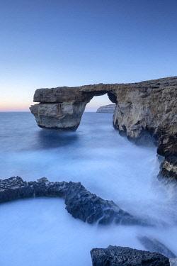MT01144 Malta, Gozo, Dwejra Azure Window Rock Arch