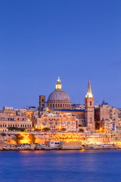 MT014RF Malta, Malta, Valletta, View over Old Town with St John's Co-Cathedral
