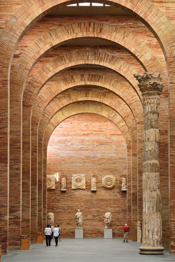 SPA8519AW Museo Nacional de Arte Romano (National Museum of Roman Art) by architect Rafael Moneo. Merida, Spain