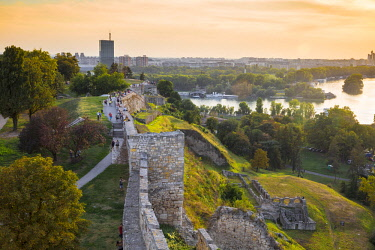 SB01102 Serbia, Belgrade, Kalemegdan Park, Belgrade Fortress and confluence of the Sava and Danube rivers