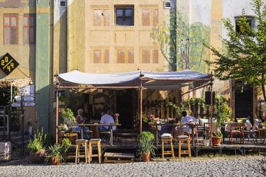 SB01140 Serbia, Belgrade, Skadarlija - Belgade's Bohemian Quarter, Restaurants on cobbledstoned street
