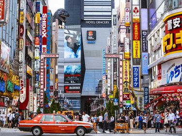 JAP1451AW Kabukicho red light district, Shinjuku, Tokyo, Japan