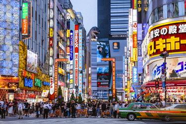 JAP1454AW Kabukicho red light district, Shinjuku, Tokyo, Japan