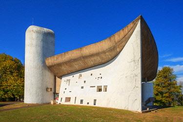 FRA10753AW Notre Dame du Haut by architect Le Corbusier, UNESCO-World Heritage Site,Ronchamp, Haute Saone, France