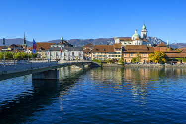 SWI8186AW River Aare with St. Ursen cathedral, Solothurn, Switzerland