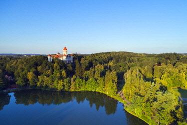 CZE2090 Europe, Czech Republic, aerial shot of Konopiste castle (DR)