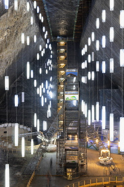 ROM1499AW Romania, Transylvania, Cluj-Napoca.  The 42 metre deep, 50 metre wide and 80 metre long Rudolf Mine at Salina Turda - a historic salt mine disused since the early 20th Century and converted into a fut...
